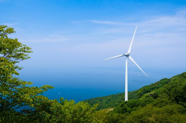 ドローンで風力発電の保守、点検